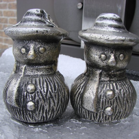 Snowmen Heavy Metal Salt and Pepper Shakers ~ New